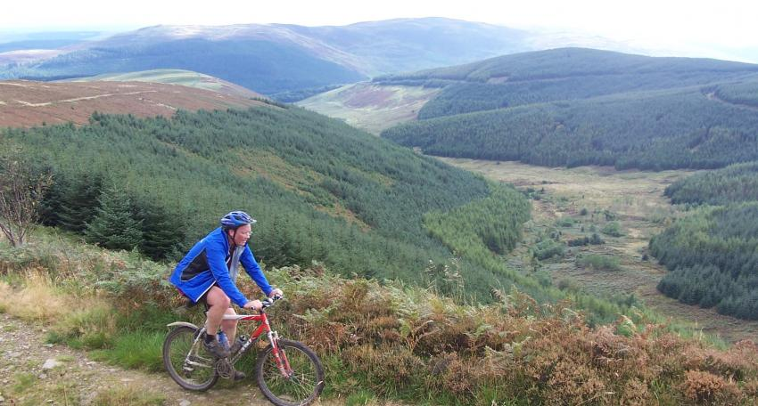 mountain biking tour scotland