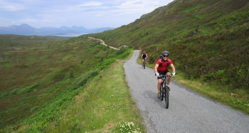 cycling tour scottish highlands