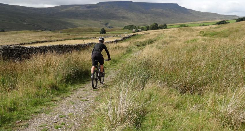mountain biking trip uk