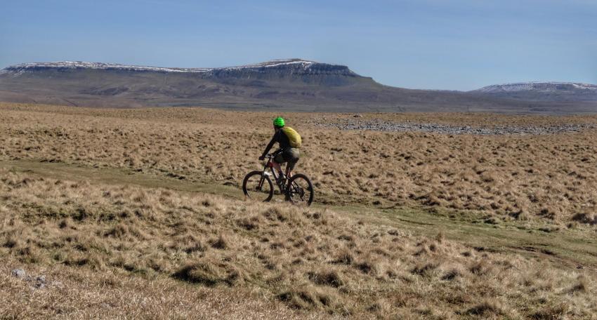 mountain biking holiday pennine bridleway