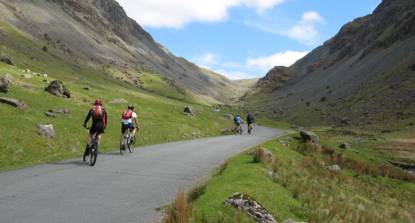 road cycling holiday uk