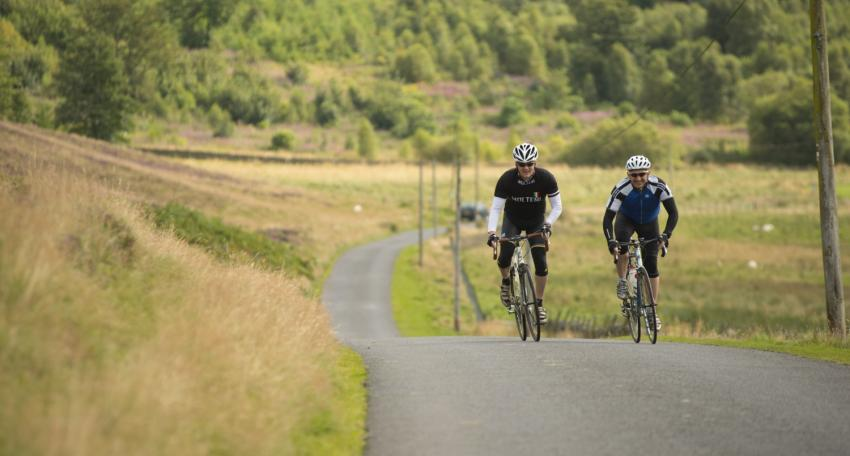 road cycling holiday scotland